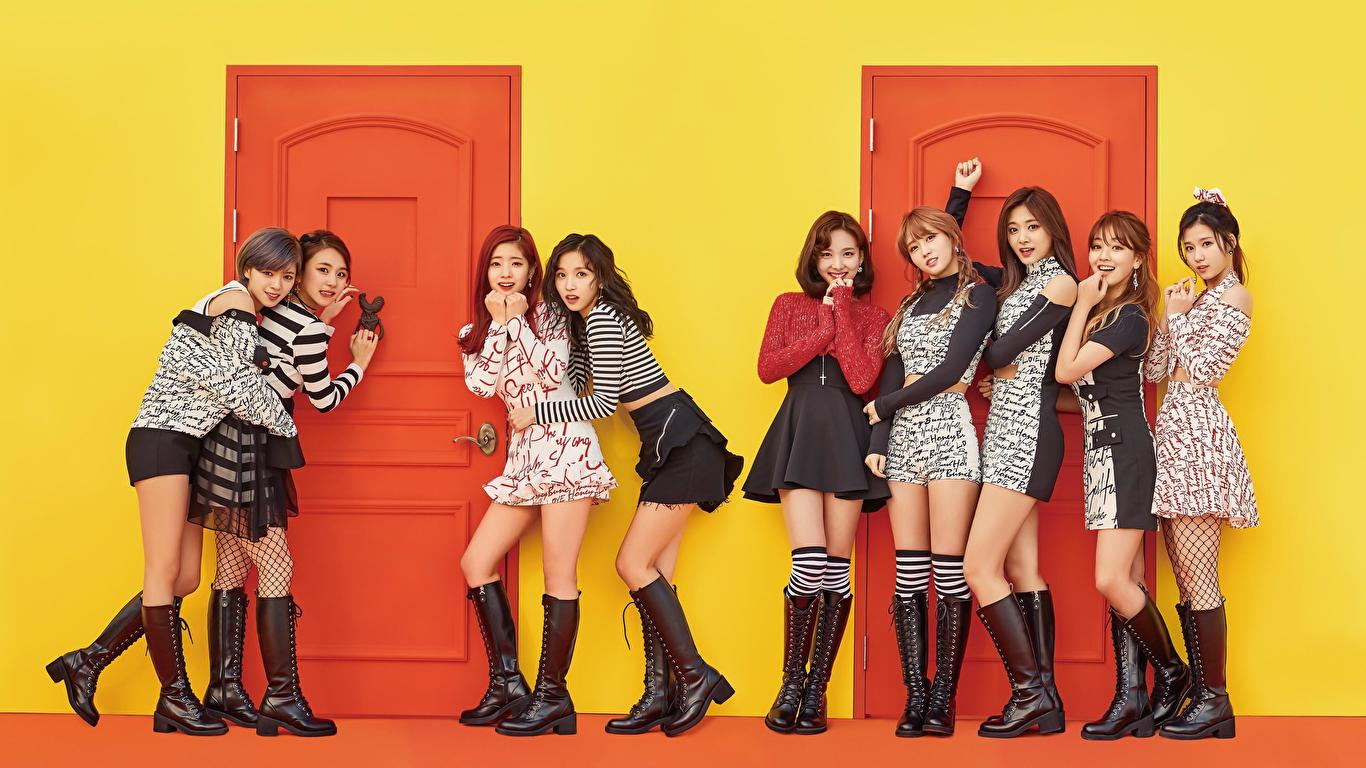 Cute Girls From The Girl Group Twice Wallpapers